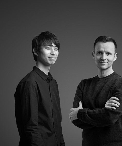 Lars Vejen and Taijiro Ishiko workign together on Float Chair for Motarasu