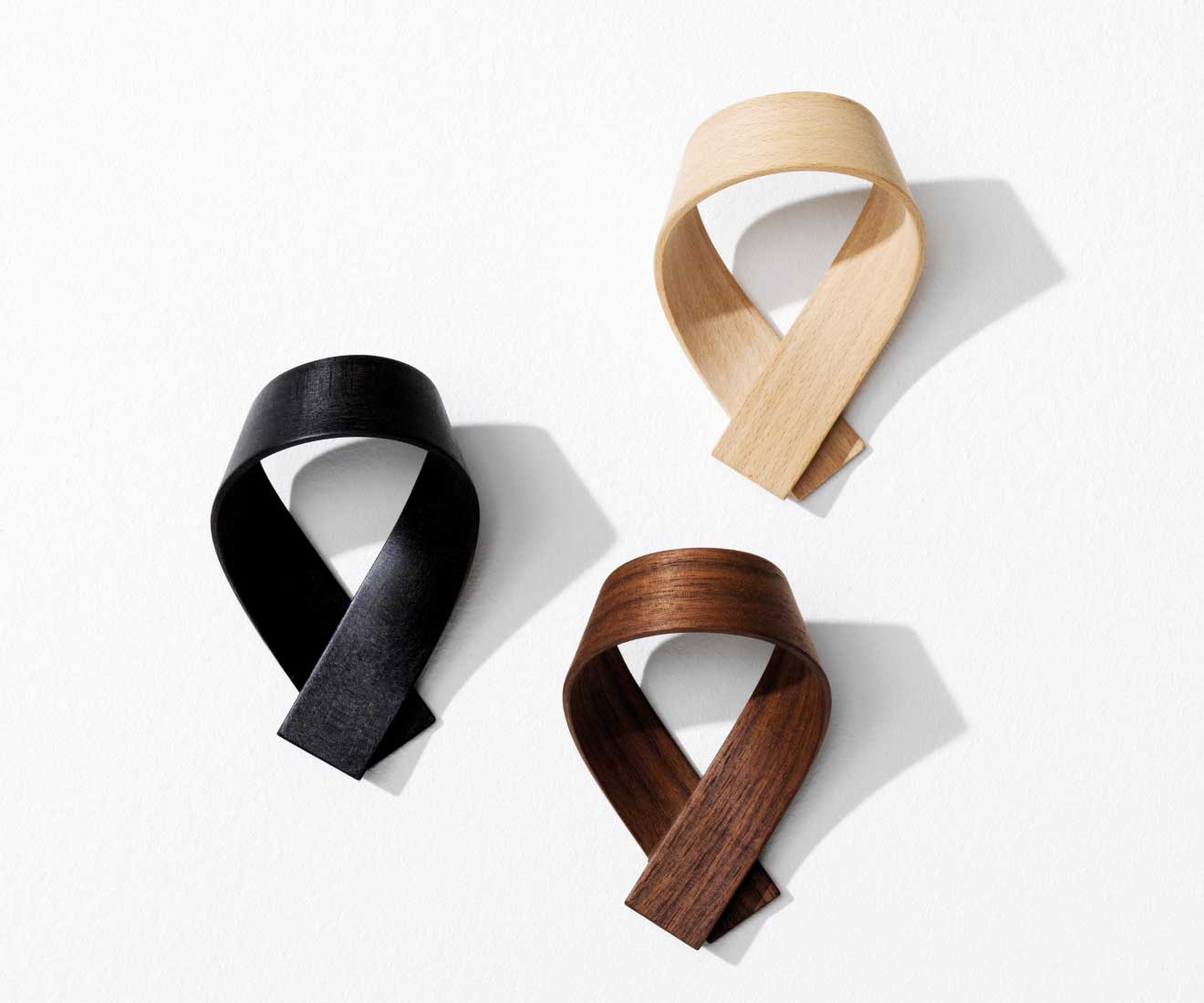 Motarasu Products - Ribbon coat hooks by Akiko Ken Made - black, walnut and beech