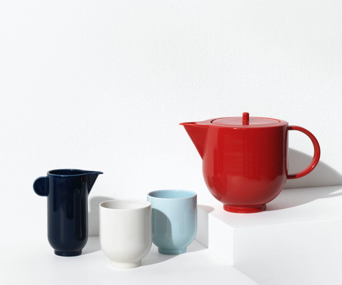 Motarasu Products - Yoko tea pot in red, pitcher in blue, Light blue and white mug by Stilleben